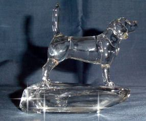 Beagle Sculpture Side View