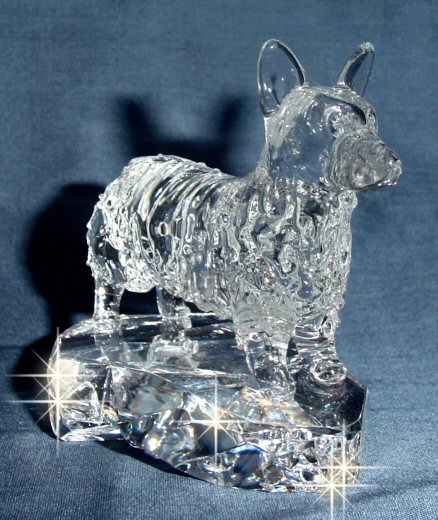 Hand-Sculpted Crystal Statue of Pembroke Welsh Corgi 3/4 View